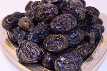 Ajwa-Al-Madinah-Dates-1kg-tijara.shop